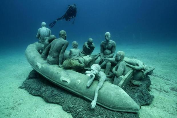 museo-atlantico_lanzarote_lampedusa_clean_00043_jason-decaires-taylor_sculpture-large