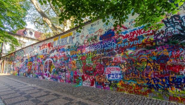 zidul-lui-john-lennon