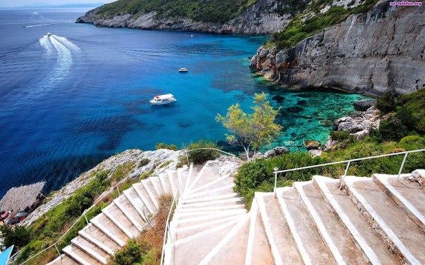 Zakynthos - sursa foto - bozonosvilla.gr